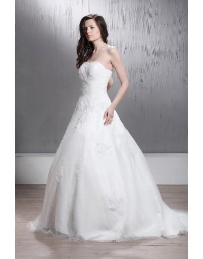 Come deve essere l abito da sposa per un matrimonio civile  e37e8b904329
